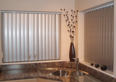 persiana-vertical-cozinha